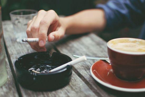 Курение натощак с кофе