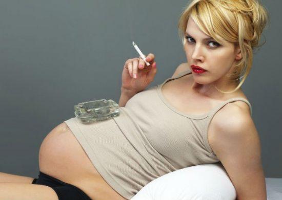 Курение при беременности