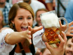 Женщина и пиво