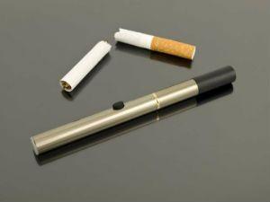 Электронная сигарета и обычная сигарета