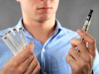 Сигарета электронная и обычная